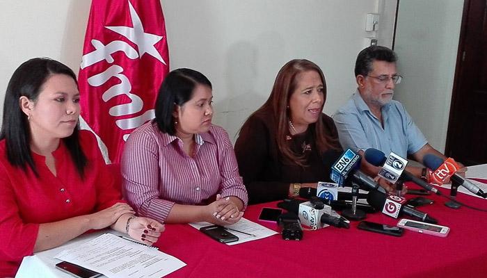 """Nidia Díaz: """"Diputados del FMLN que terminan período, pasarán a ser asesores de la fracción"""""""