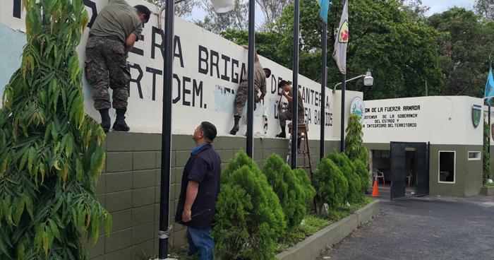 Militares retiran nombre del Coronel Monterrosa de Brigada de Infantería de San Miguel
