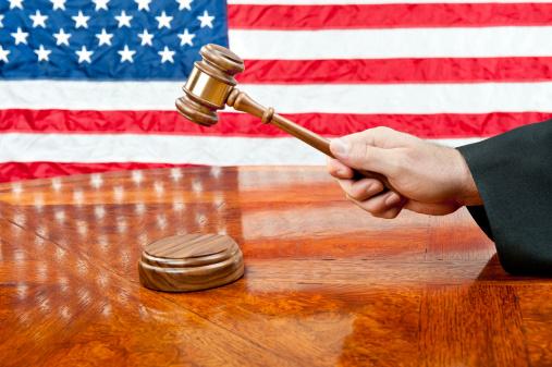 Jueces de EEUU determinaron incompatible la ley de inmigración y nacionalidad