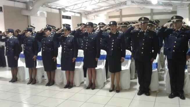 Policía asciende a 37 nuevos inspectores