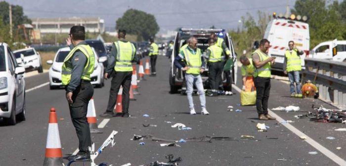 Mueren dos ciclistas atropellados por conductora temeraria