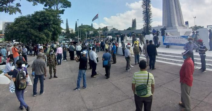 Veteranos de Guerra y excombatientes del FMLN exigen pago de pensiones