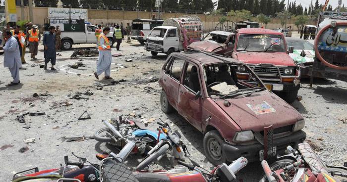 Al menos 30 muertos tras atentado suicida en un colegio electoral en Pakistan