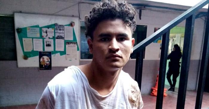 Peligroso pandillero armado capturado en el Puerto de La Libertad