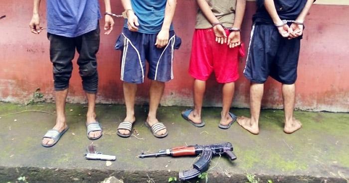 Pandilleros detenidos con un AK-47 en Usulután