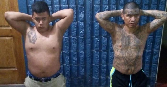 Capturan a dos pandilleros, con porciones de droga, en colonia Sierra Morena de Soyapango