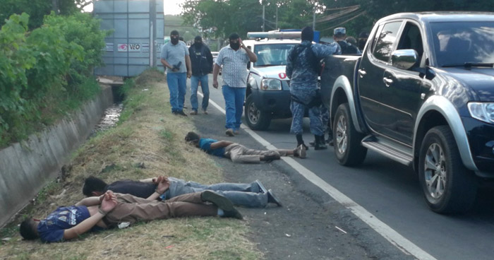 Tres pandilleros fueron capturados tras persecución sobre carretera Panamericana en San Miguel