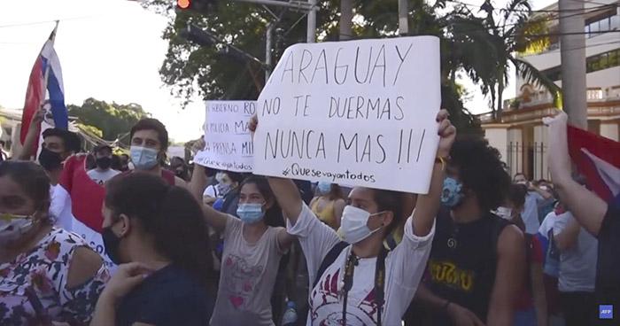 Continúan protestas que exigen la renuncia del presidente de Paraguay