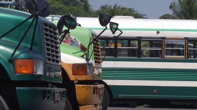Rutas del transporte público en paro de labores por amenazas de pandillas