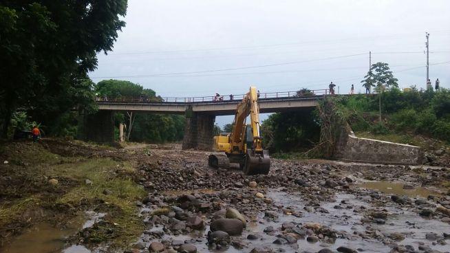 MOP y FOVIAL crearan un paso provisional para restablecer el acceso hacia Chalatenango