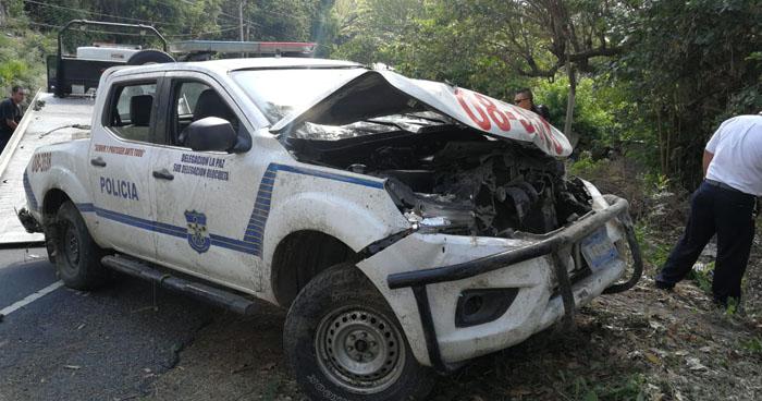 Dos policías y tres soldados lesionados tras sufrir accidente en carretera de Olocuilta