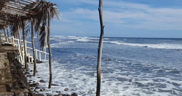 Turista muerte ahogado en playa El Espino de Jucuarán, Usulután