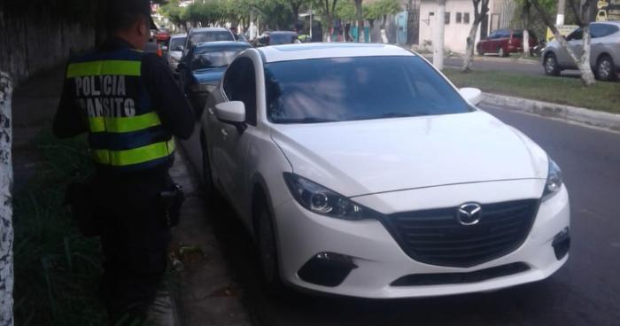 Al menos 24 conductores fueron detenidos la noche de este Viernes por conducir en estado de ebriedad