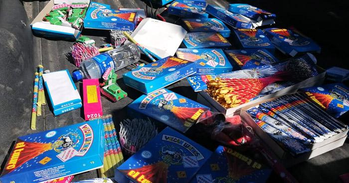 Decomisan diferentes productos de pólvora en el Centro de San Salvador