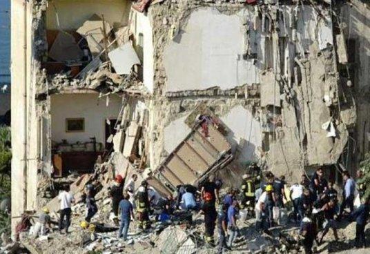 Ocho fallecidos tras el derrumbe de un edificio en Italia