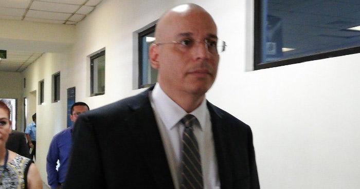 Sala favorece con arresto domiciliar a Magistrado acusado de agredir sexualmente a una niña