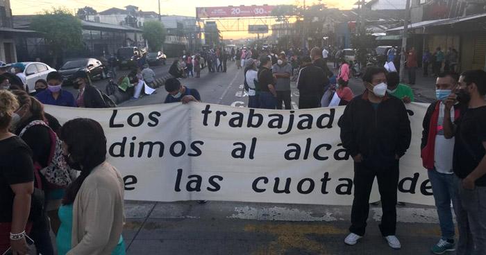 Sindicalistas cierran Alameda Juan Pablo II contra la alcaldía de San Salvador
