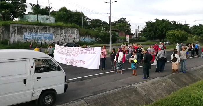 Habitantes de San Martín protestaron por cierre de equipos médicos ECOS