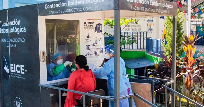 Realizar pruebas PCR para detectar COVID-19 en Sacacoyo, La Libertad