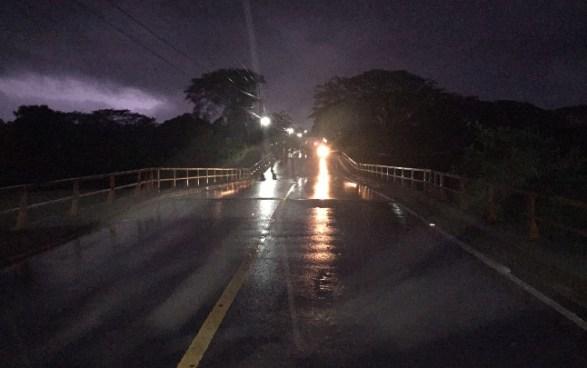 Lluvias causan estragos en Chalatenango y hace que colapse puente