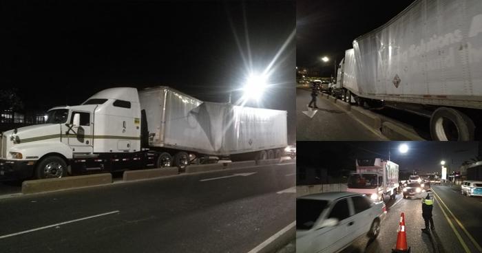 Rastra se parte en 2 en el bulevar Venezuela y colapsa el tráfico de Soyapango a San Salvador