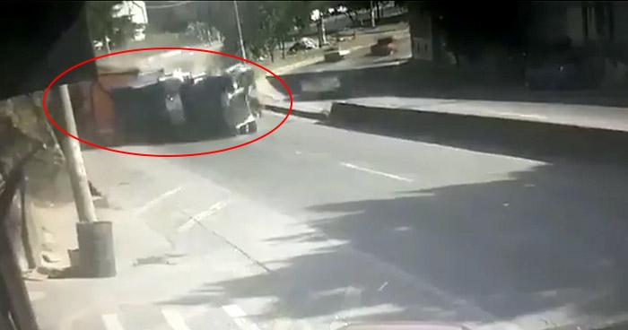 VIDEO | Así volcó rastra esta tarde en carretera Troncal del Norte