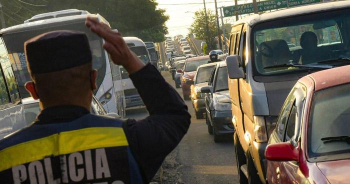 Instalan controles vehiculares en diferentes puntos del país en primer día de Reapertura Económica