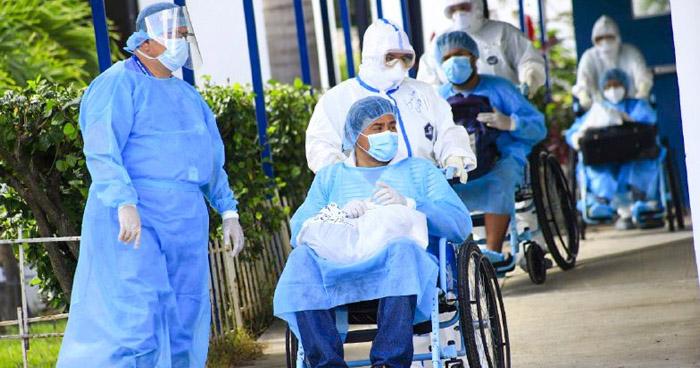 Dan de alta a 3 pacientes más recuperados de COVID-19 del Hospital San Rafael