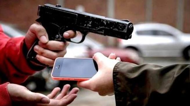 Sujeto involucrado en el robo de celulares y computadora es enviado a prisión