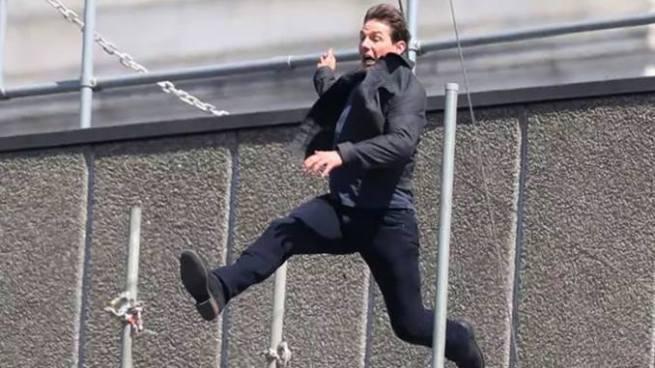 """Video: Tom Cruise se lesiona durante el rodaje de """"Misión Imposible 6"""""""