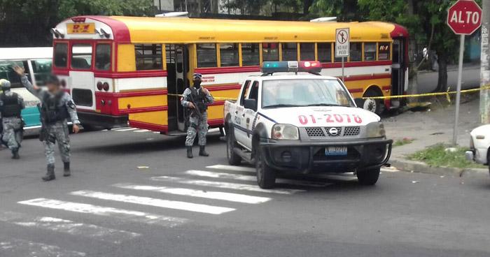 Motorista de la ruta 1 resulta lesionado tras tiroteo por la Universidad Nacional en San Salvador
