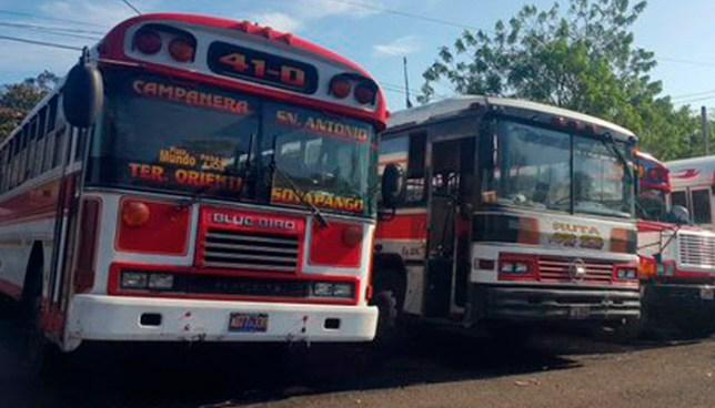 Ruta de buses 41-D de Soyapango amanece en paro de labores