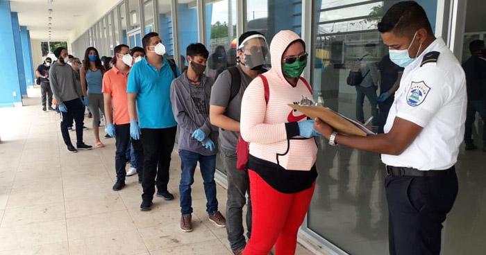 Retornan salvadoreños que permanecían varados en Nicaragua