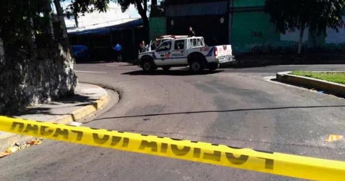 Encuentran cadáver de hombre en parque Juan José Cañas en San Jacinto