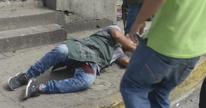 Confirman muerte de uno de los vendedores lesionados tras disturbios en Santa Tecla