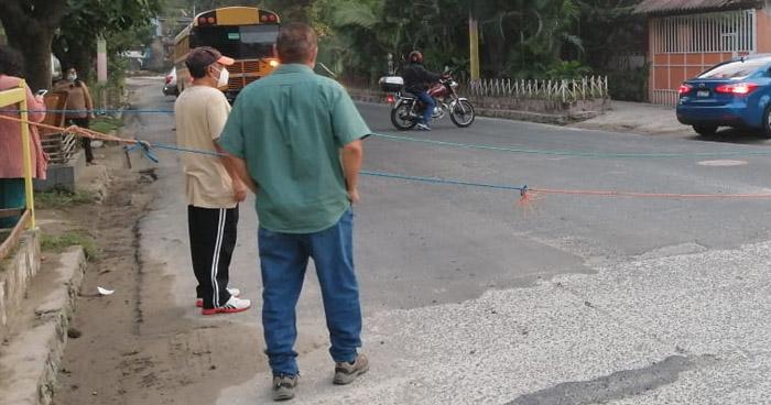 Habitantes de colonia Santa Lucía piden solución a la problemática de inundaciones