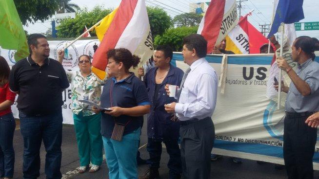 Sindicalistas del Ministerio de Hacienda denuncian arbitrariedades en la cartera del Estado