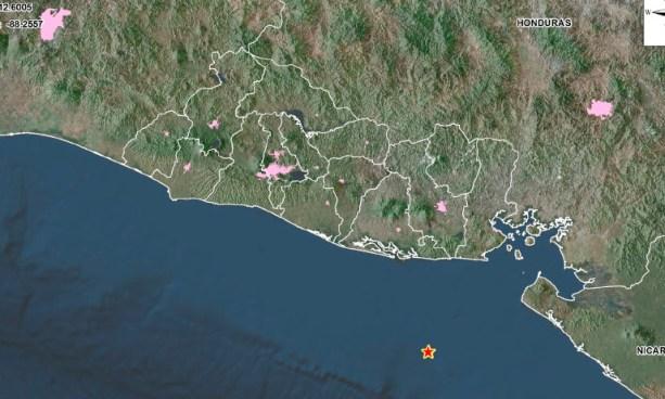 Sismo de 5.5 esta madrugada de Domingo despertó a varios salvadoreños