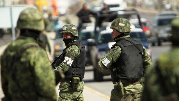 VIDEO: Soldado mata con un disparo en la cabeza a un detenido