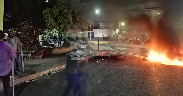 Tres heridos de bala en disturbios durante protesta de sindicalistas en Soyapango