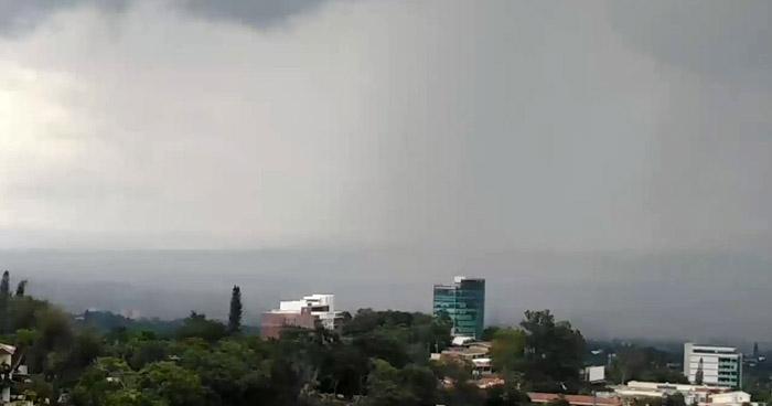 Probabilidad de lluvias débiles en zona occidental y costera del país