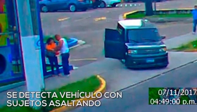 La PNC captura a ladrones instantes después que robaron a 2 mujeres en Santa Tecla