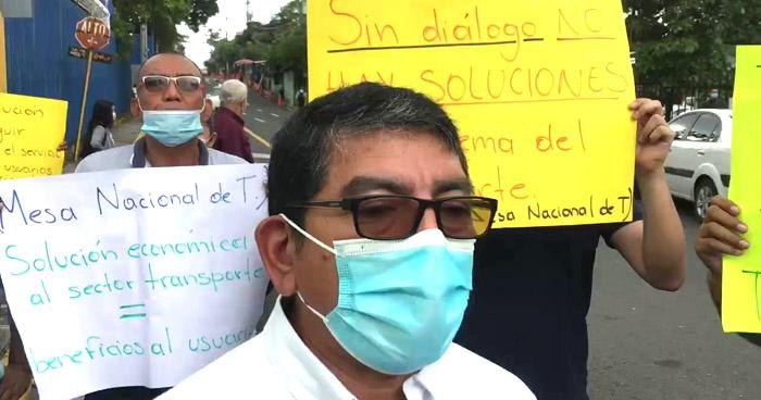 Transportistas piden al Gobierno les autorice cobrar tarifa técnica por falta de subsidio