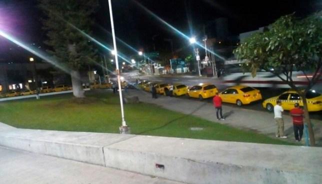 Concentración y marcha de taxistas de diferentes departamentos en San Salvador