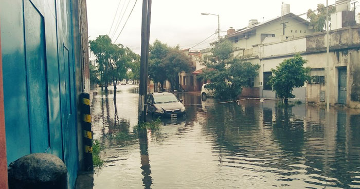 Dos muertos por fuerte temporal que mantiene en alerta a varias provincias de Argentina