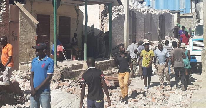 Sube a 724 el número de muertos tras terremoto de 7.2 que azotó Haití