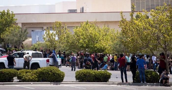 Varios muertos y heridos tras un tiroteo en centro comercial en Texas