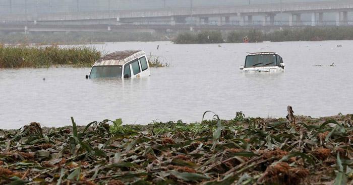 Más de 50 muertos y 15 desaparecidos deja paso del tifón Hagibis en Japón