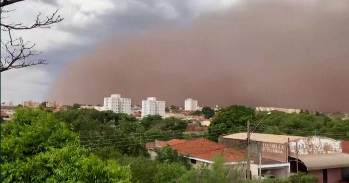 Al menos 6 muertos dejan tormentas de arena en Sao Paulo, Brasil