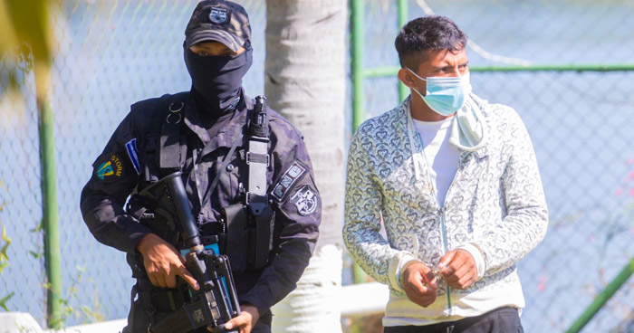 Embarcación encontrada en Bahía de Jiquilisco transportaba $12.5 millones en droga